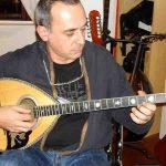 Bouzouki griego